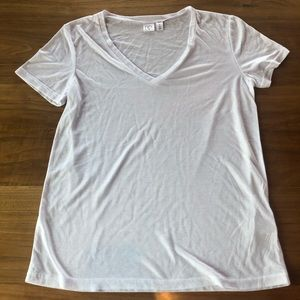 NWOT! BP. White super soft v-neck shirt LARGE
